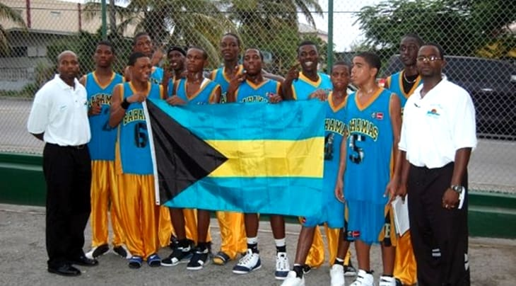 Bahamas team (il terzo giocatore da destra è Hield)