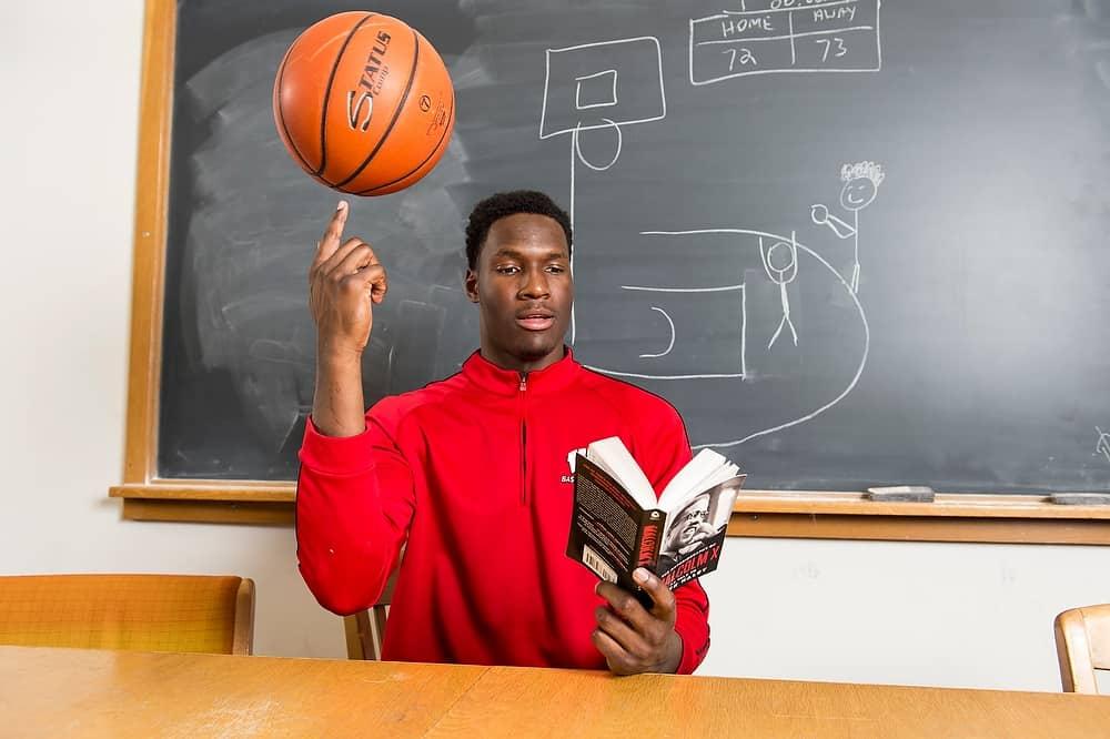 Ncaa basketball - Nigel Hayes (Wisconsin)
