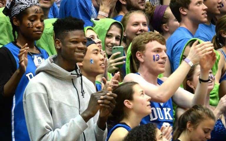 Bamba in mezzo ai tifosi di Duke