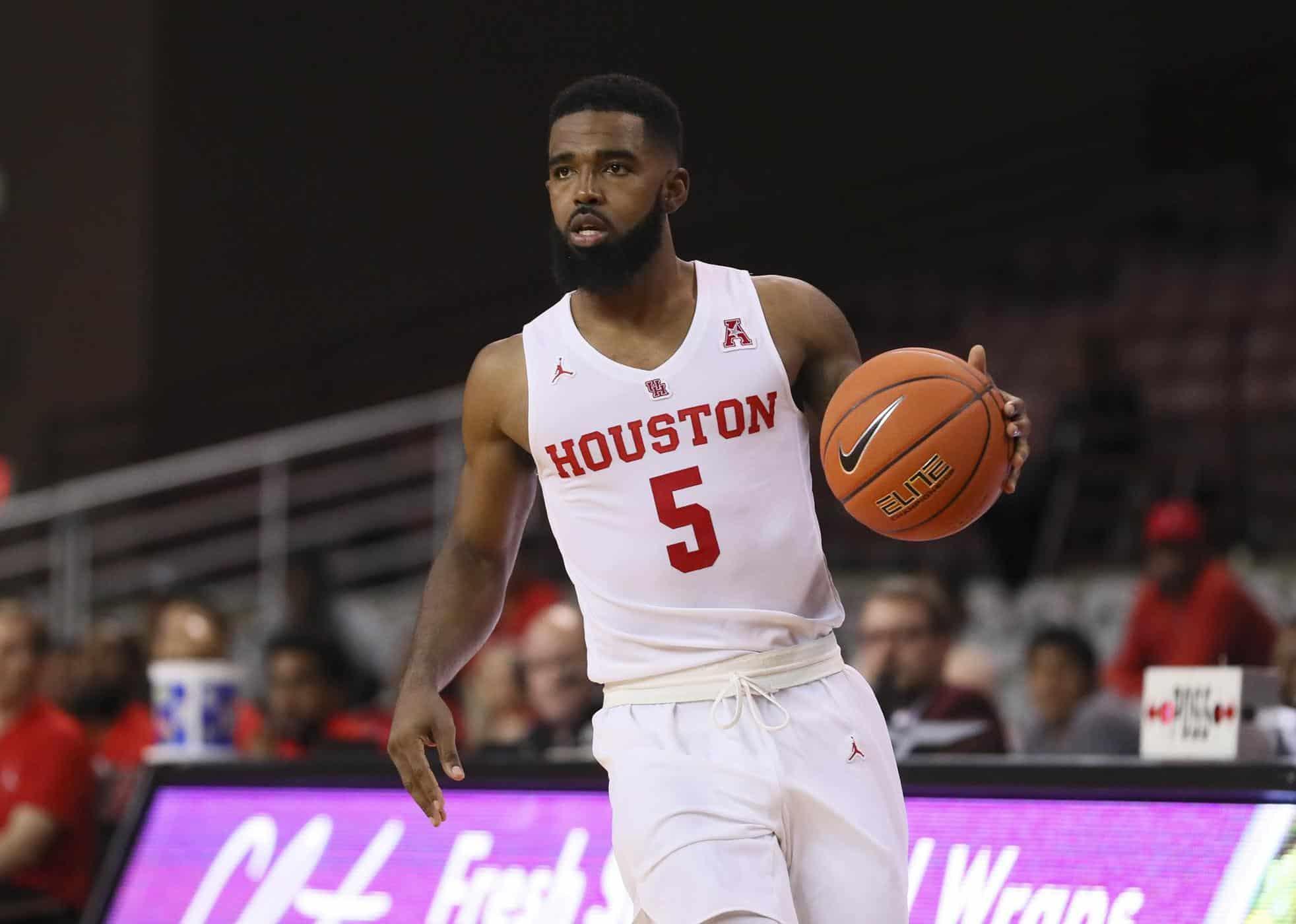 Houston non sbaglia un colpo, UConn in crisi