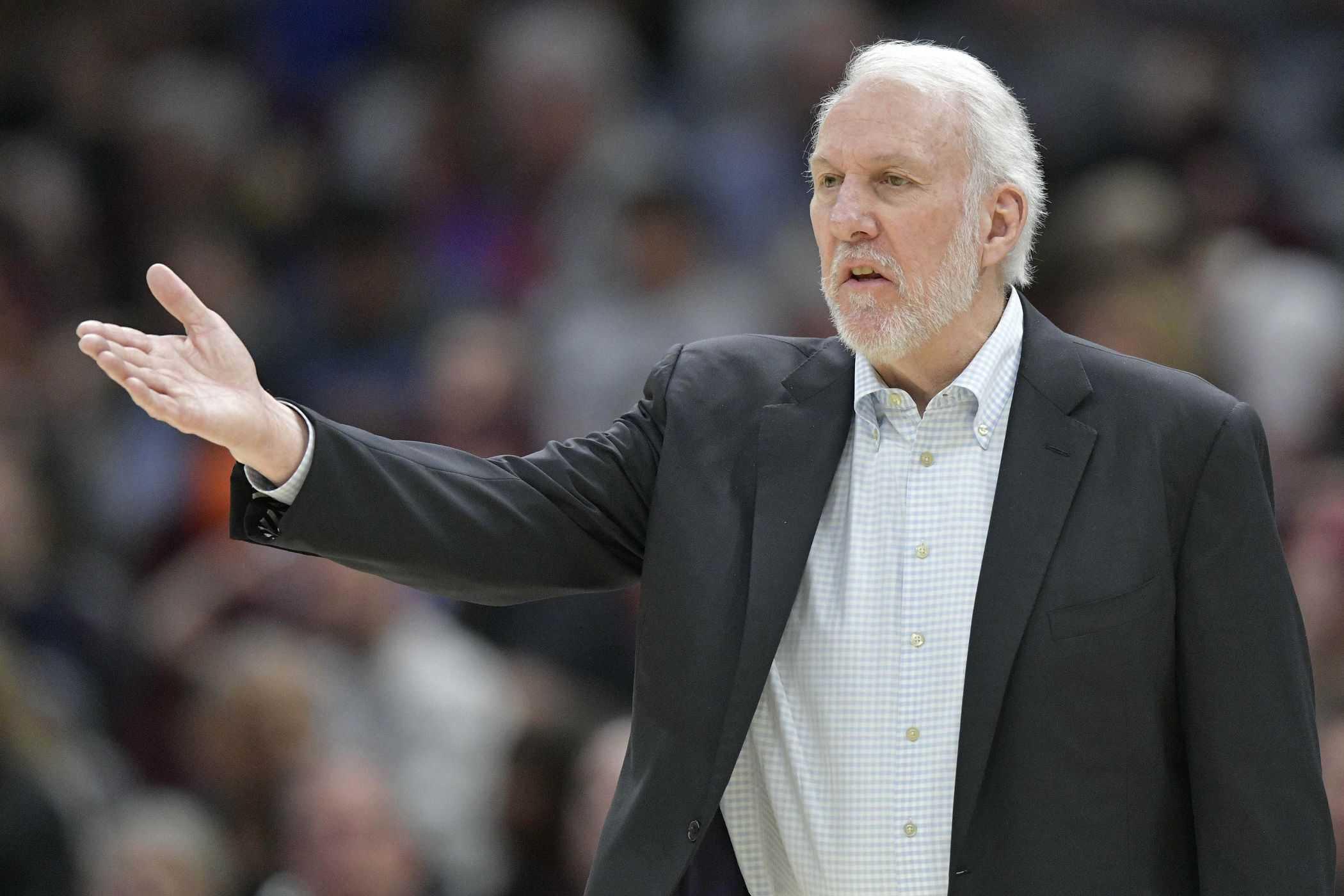 Head coach San Antonio Spurs