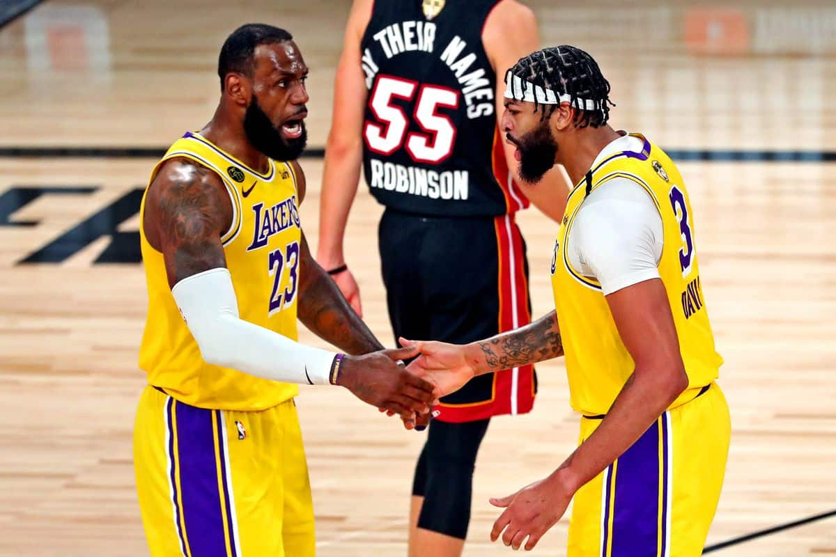 Los Angeles Lakers hanno in mano le Finals