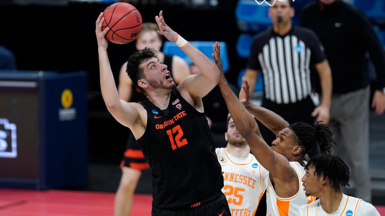 Oregon State upset Tennessee