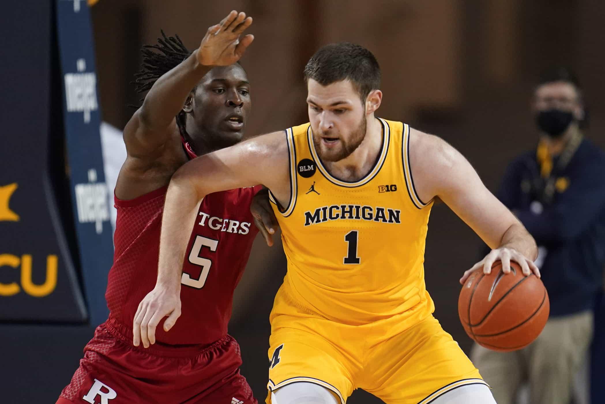 Basketballncaa - Hunter Dickinson - Michigan